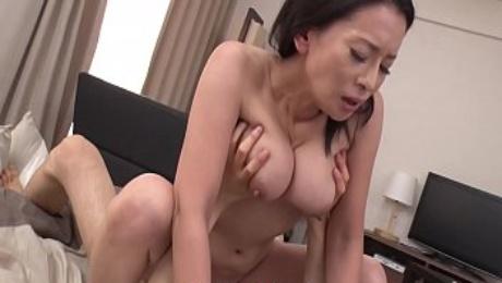 Japanese mature, Rei Kitajima likes it doggy- style and uncensored